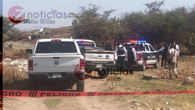 Localizan cadáver encobijado al sur de Morelia