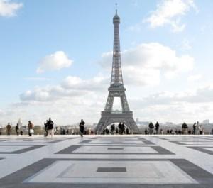 Esplanade du Trocadero, Tour Eiffel, France.