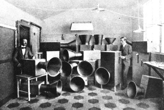 russolo_intonarumori machines à bruits
