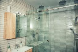 Lazurniy Bereg Holiday Villas And Vacation Rentals Bathroom and Shower 01
