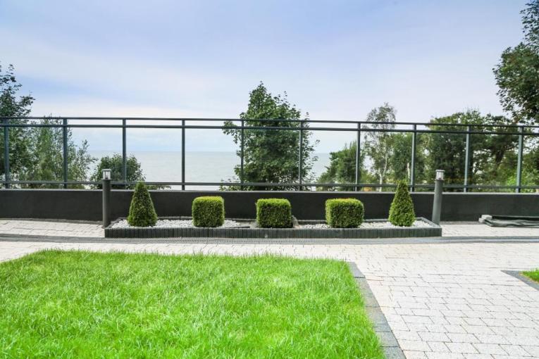 Lazurniy Bereg Holiday Villas And Vacation Rentals Outdoor Gardens 01