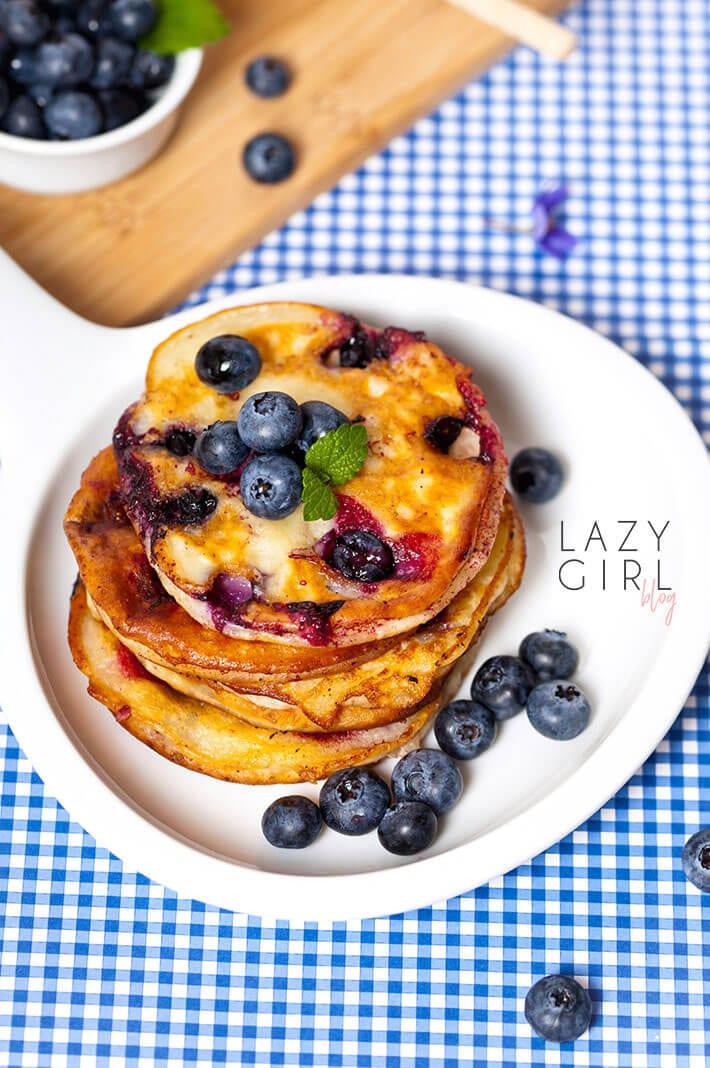 Fluffy Keto Pancakes Berries