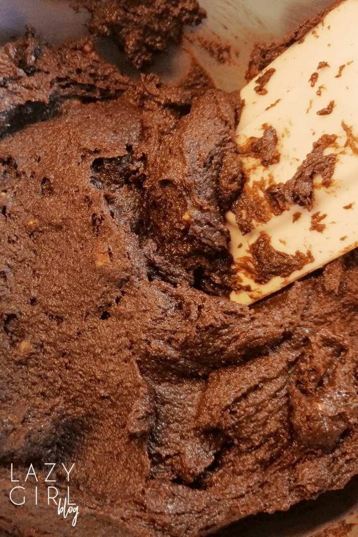 easy keto brownies mixture