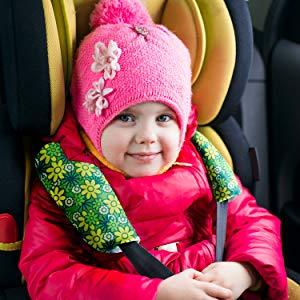 Happy Baby in car rear mirror