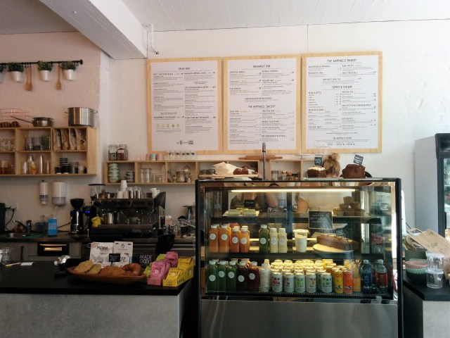 happinesscafe counter