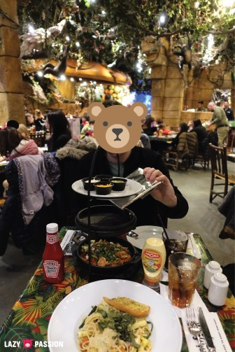Food at Rainforest Cafe in Disneyland Paris