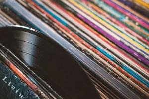 plate, vinyl record, records-4725349.jpg