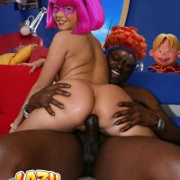 In whole Lazy town only Stephanie can take huge black dick up her butthole with a smile!