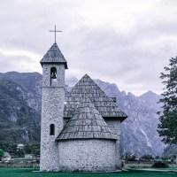 Albania - Góry Przeklęte - droga do Theth - wioska zagubiona pośród szczytów