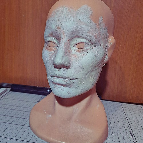 head model made of wig mannequin and clay