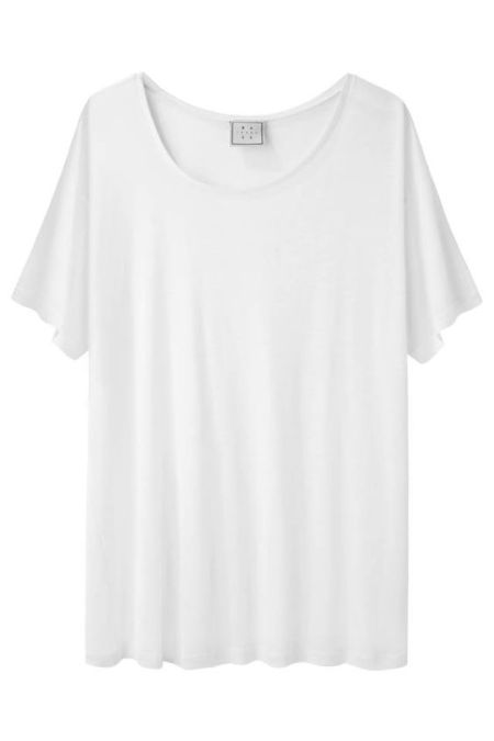 Everyone needs the go-to white t.