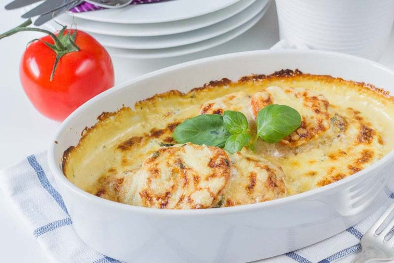piept de pui gratin la cuptor in sos de mustar de Dijon si smantana