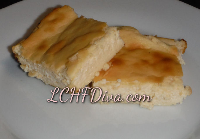 Low Carb Cheesecake Squares! #NoCrust #GrainFree #LCHF