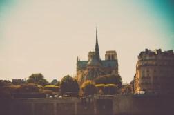 Déclinaison autour de Notre Dame de Paris