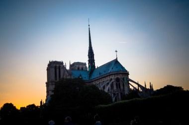 Notre Dame de Paris un Soir d'été