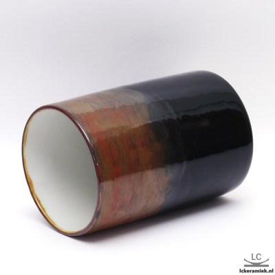 porseleinen vaas zwart met roestkleur