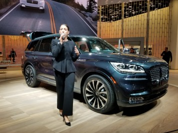 Lincoln rep with Aviator
