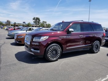 Lincoln row 4 with Navigator