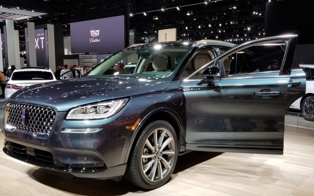 2019 L.A. Auto Show Wows Visitors with Technology and Style