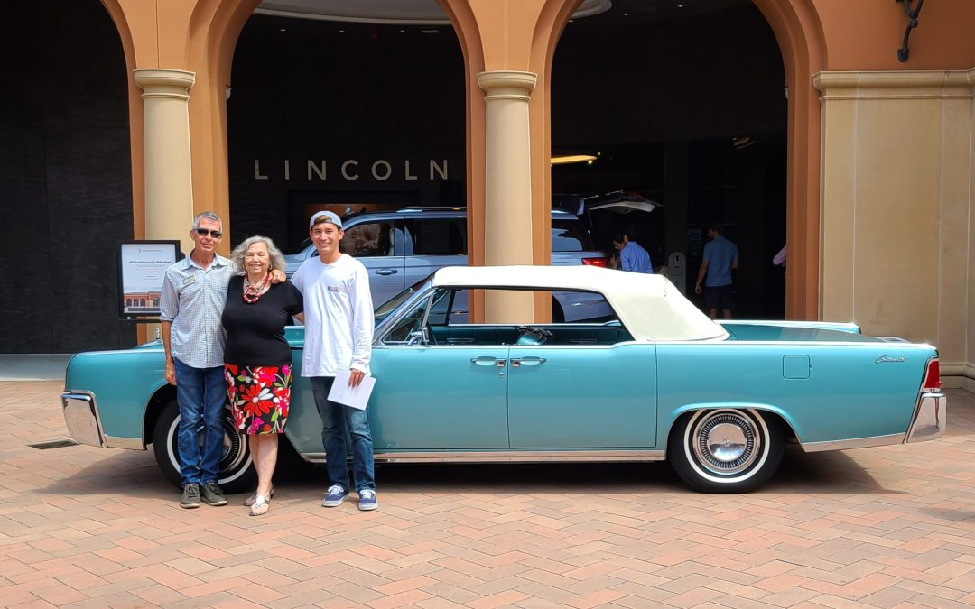 LCOC Members and Classic Convertible Celebrate 5th Anniversary of the Lincoln Experience Center, Newport Beach, CA