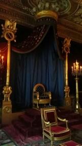 La trône