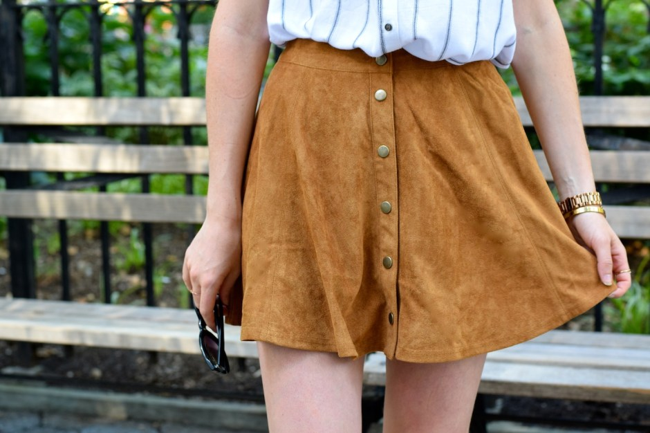 irish fashion: Suede Button-Up Skirt 4
