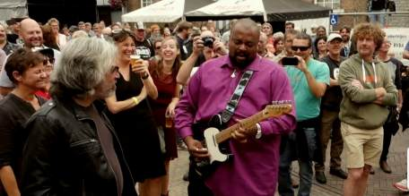 Shawn Holt playing on the street