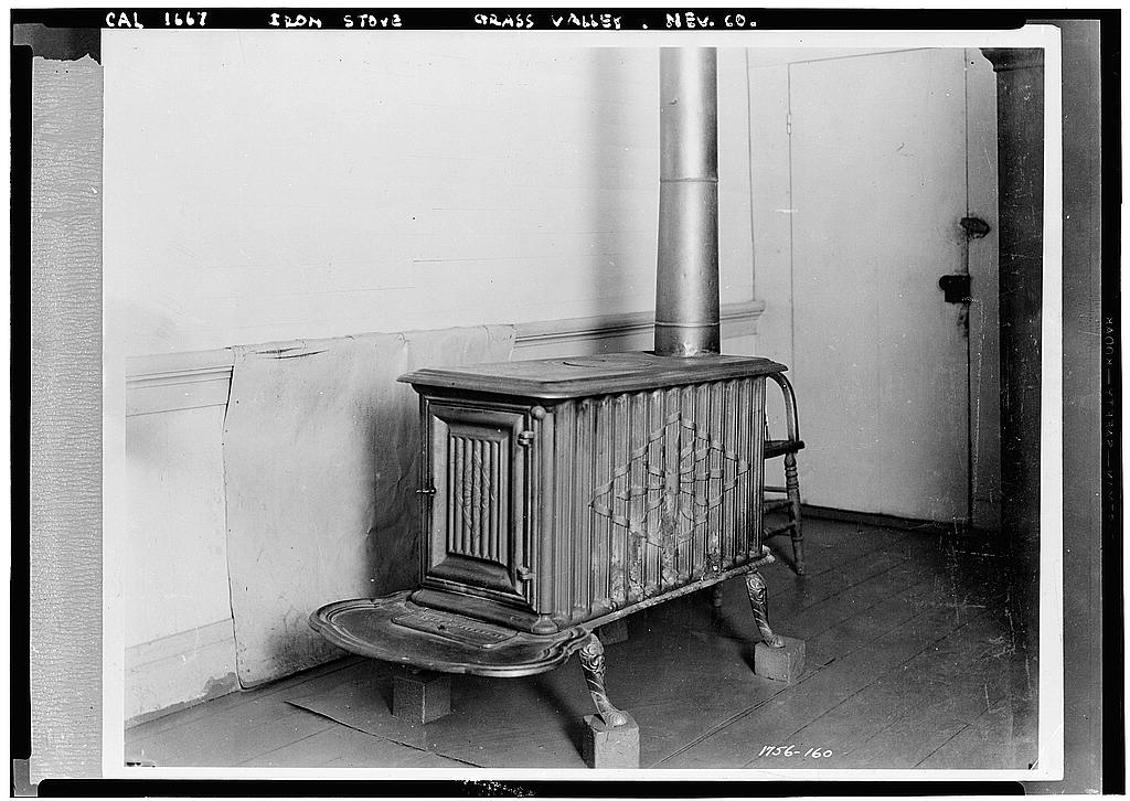 S.F. AN 1839 STOVE IMPORTED 'ROUND THE HORN & STILL IN USE AT GRASS VALLEY - Iron Stove, Grass Valley, Nevada County, CA