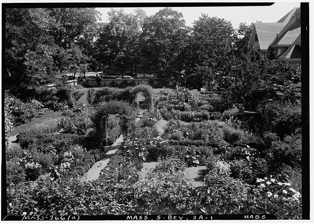 1.  Historic American Buildings Survey Frank O. Branzetti, Photographer June 20, 1940 (a) EXT. - VIEW OF GARDEN, LOOKING NORTHEAST - Austin D. Kilham Place, 8 Thorndike Street, Beverly, Essex County, MA