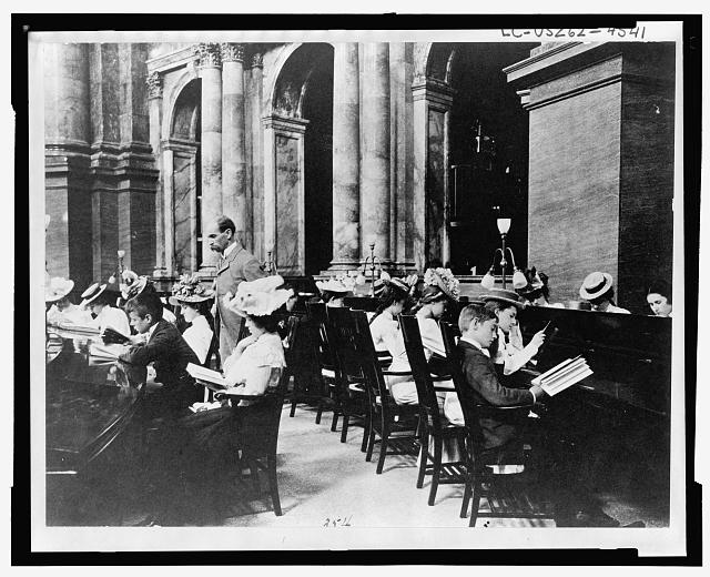 Photo of Students in Library of Congress Reading Room