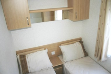Twin bedroom in the Carnaby Melrose