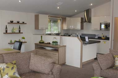 Willerby Clearwater holiday lodge - The kitchen is separated from the lounge by a low party wall