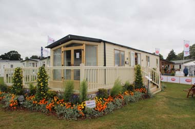 The Carnaby 40ft x 13ft two bedroom Willow Lodge