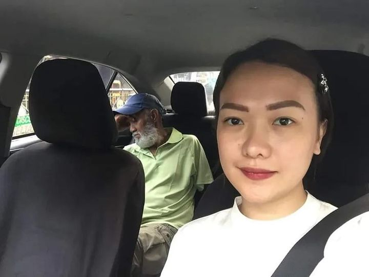 Cristina took a picture of a sleepy driver