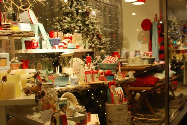 DSC 0743 610x408 Londons Best Christmas 2012 Window Displays