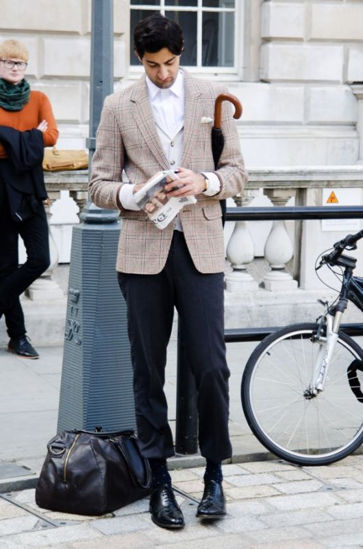 london-fashion-week-street-style - 1