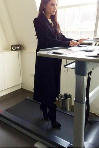 Victoria-Beckham-Vogue-12March14-Twitter-VB_b_320x480