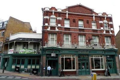 The Pub that 'saved' our lives and fed us Pizza - The Duck Pub Review 14