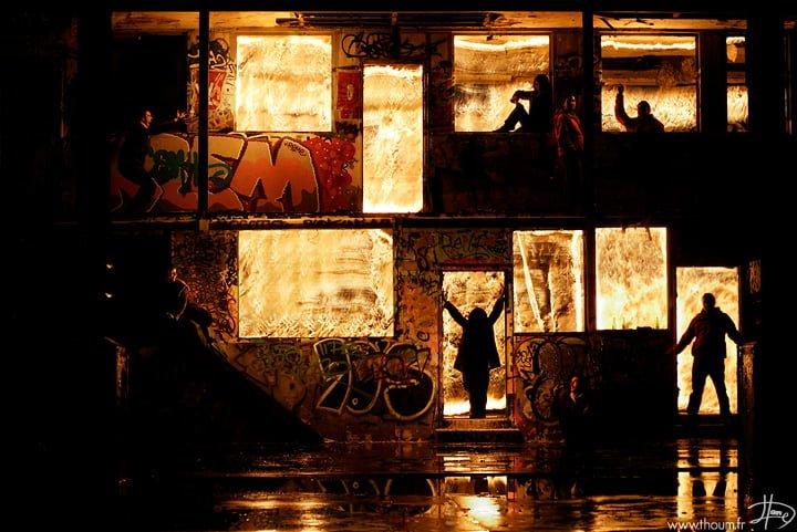 # Tom Lacoste 與火炙熱共舞:叔叔有練過 小朋友不要輕易模仿! 15