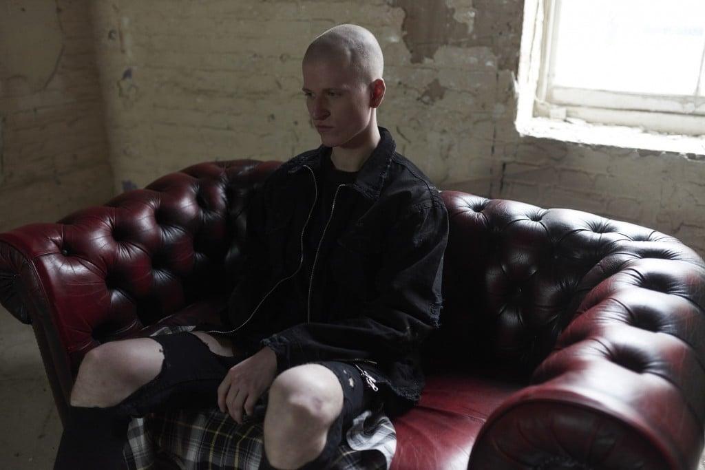 # OTHER UK 16SS grunge精神集大成:90s 垃圾搖滾與軍裝的共鳴 RISE 11