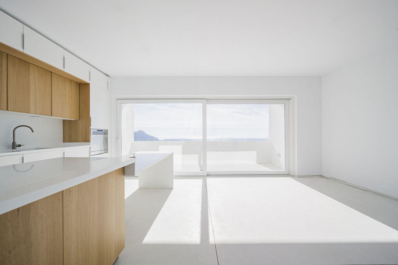 # Claire House:坐落在西班牙的極簡風格主義住宅 4