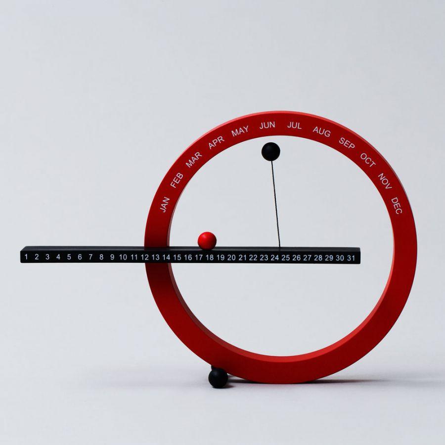 # 這圓圈物體竟然是萬年曆:Moma Magnetic Perpetual Calendar 6