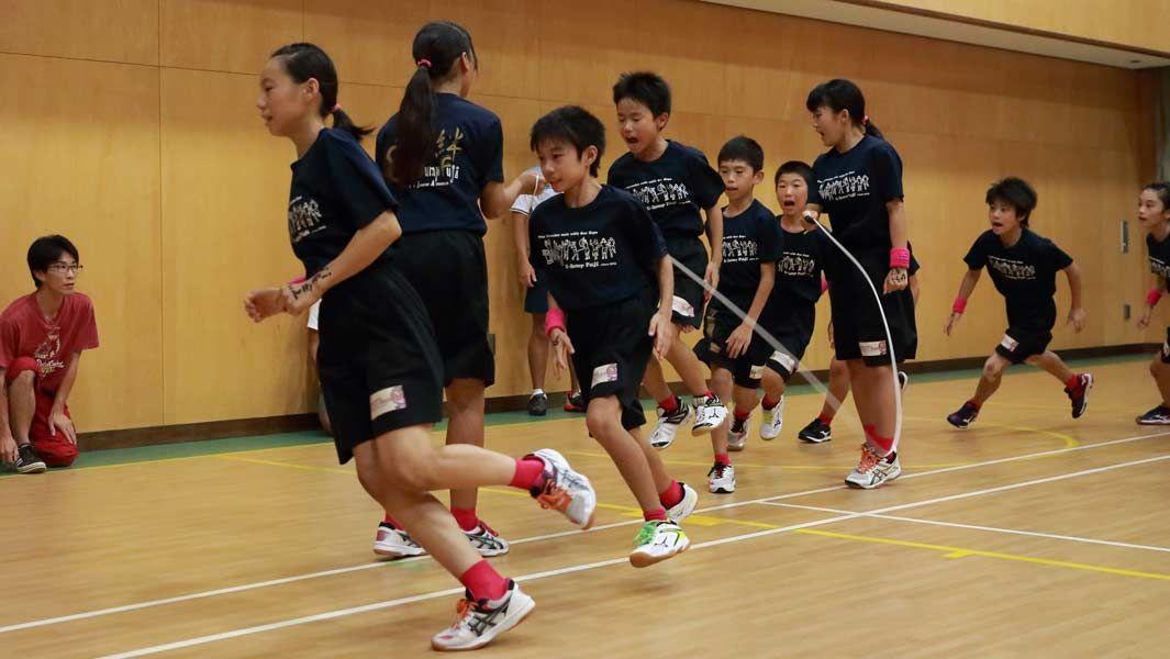 # 日本 E-Jump 小學生團隊打破金氏世界紀錄:創造60秒單人跳繩最新紀錄230下 1