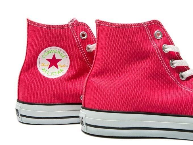 # AURALEE × Converse × Beauty&Youth:螢光色系聯名鞋款即將登場 5