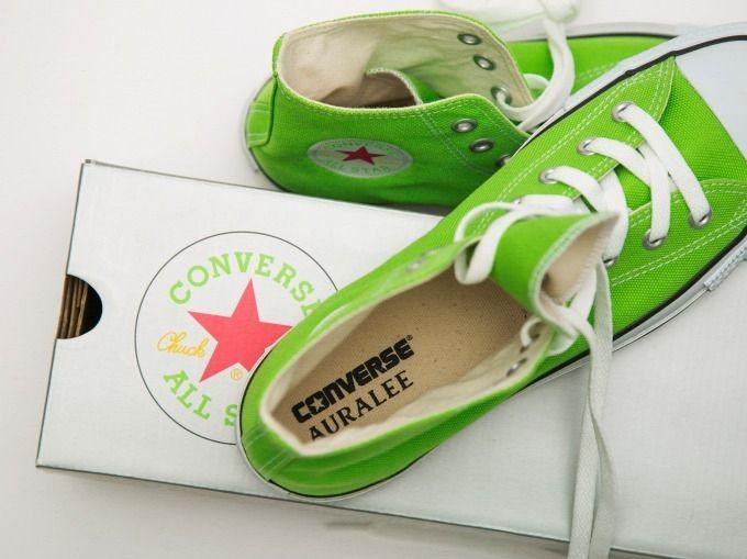 # AURALEE × Converse × Beauty&Youth:螢光色系聯名鞋款即將登場 1