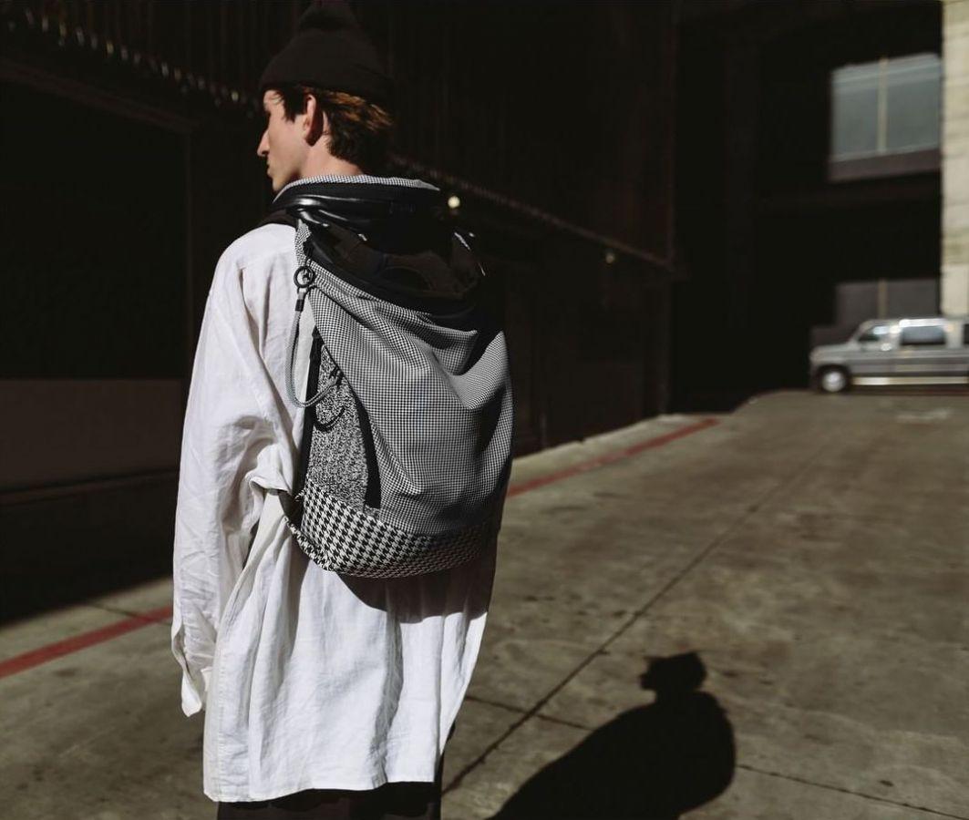 # Bag Yourself 011:原來還可以這樣設計!特殊拉鍊走向包款給你不一樣的面貌! 9