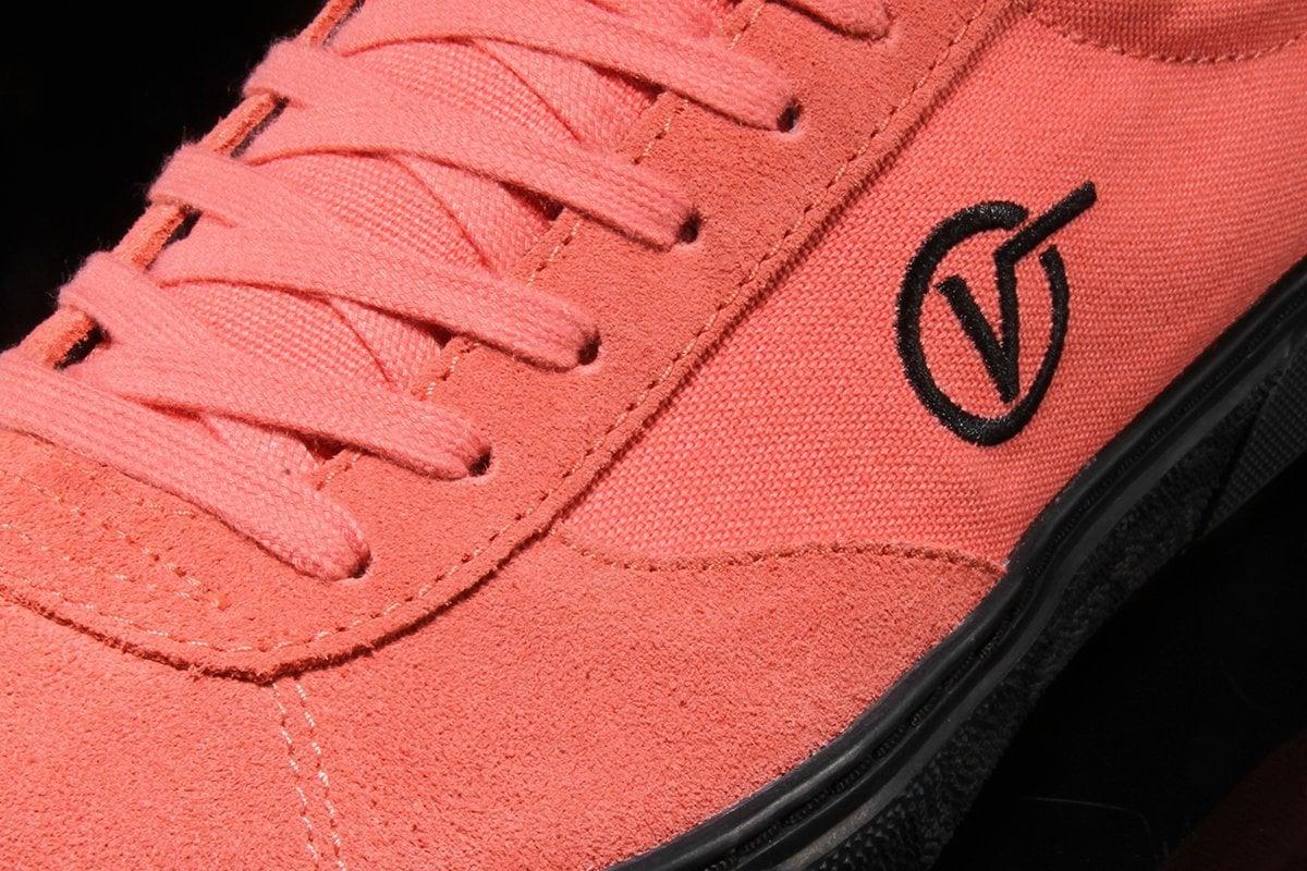 # In Your Shoes 023:2019年代表色「活珊瑚橘」,先從鞋款下手走在時尚前鋒! 16