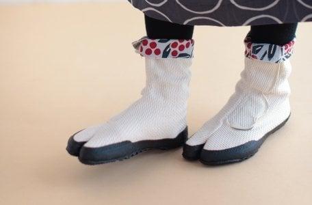 # In Your Shoes 024:原來「足袋」最早是源自於中國?分趾鞋的醜美魅力席捲全球! 6