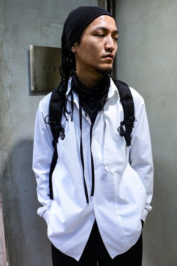 # Shop Staff Snap:當正經八百的黑白西裝服混入街頭 9