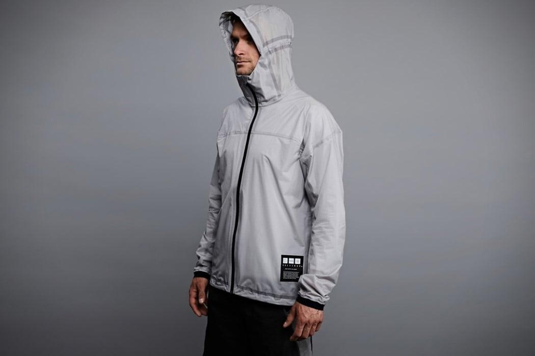 # 現代人必備神器:有了這外套,當個貨真價實的「人體發電機」 24